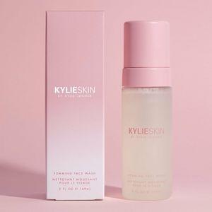 NIB Kylie Skim Foaming Face Wash Full Size